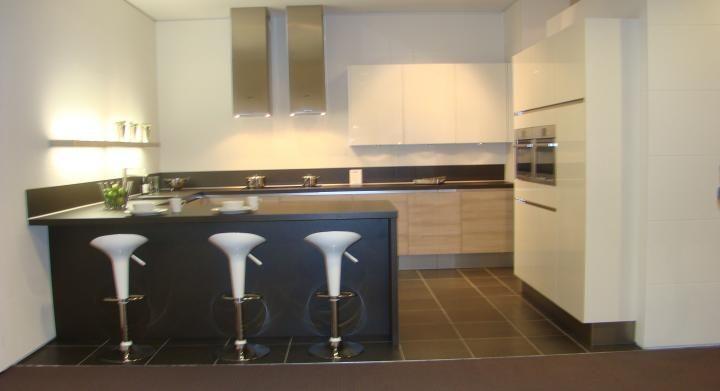 De voordeligste woonwinkel van nederland moderne greeploze u keuken 45535 - Afbeelding moderne keuken ...