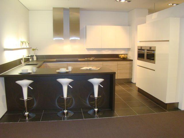 De voordeligste woonwinkel van nederland moderne greeploze u keuken 45535 - Keuken in u met bar ...